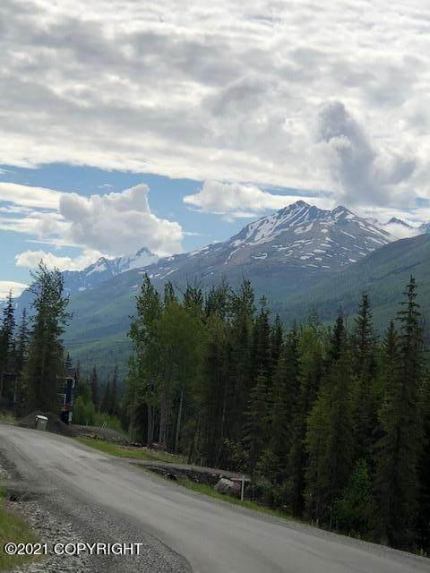 8251 Harmany Ranch Road, Eagle River, AK 99577 (MLS #21-819) :: RMG Real Estate Network | Keller Williams Realty Alaska Group