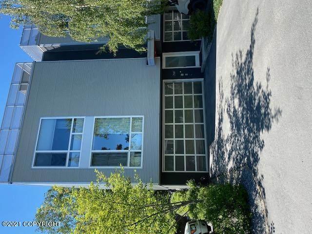 5201 E Northern Lights Blvd Boulevard W7, Anchorage, AK 99508 (MLS #21-9479) :: Daves Alaska Homes