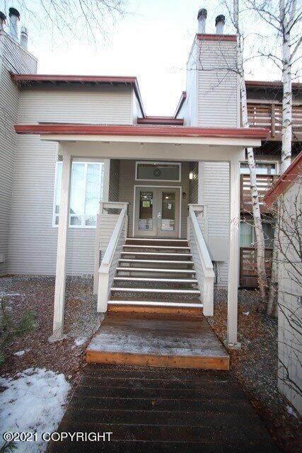 9625 Independence Drive #304, Anchorage, AK 99507 (MLS #21-9489) :: Daves Alaska Homes