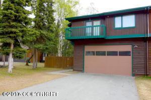 9341 Stuart Circle, Eagle River, AK 99577 (MLS #17-4019) :: Team Dimmick
