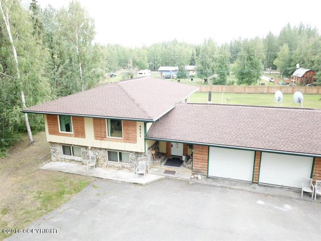 4521 Lauesen Avenue, North Pole, AK 99705 (MLS #18-13235) :: Northern Edge Real Estate, LLC