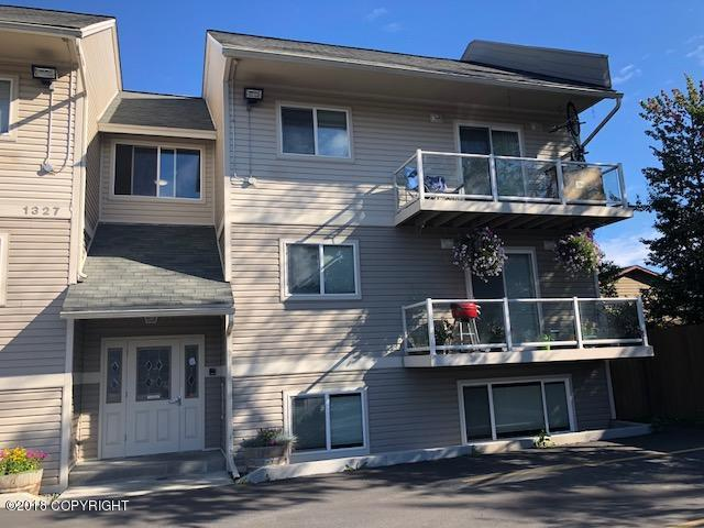 1327 W 25th Ave Avenue #220, Anchorage, AK 99503 (MLS #18-13797) :: RMG Real Estate Network   Keller Williams Realty Alaska Group