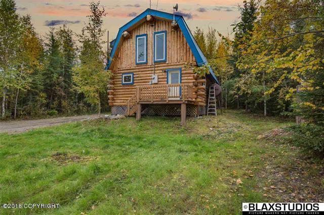 3150 Trilby Avenue, Fairbanks, AK 99709 (MLS #18-13996) :: Team Dimmick