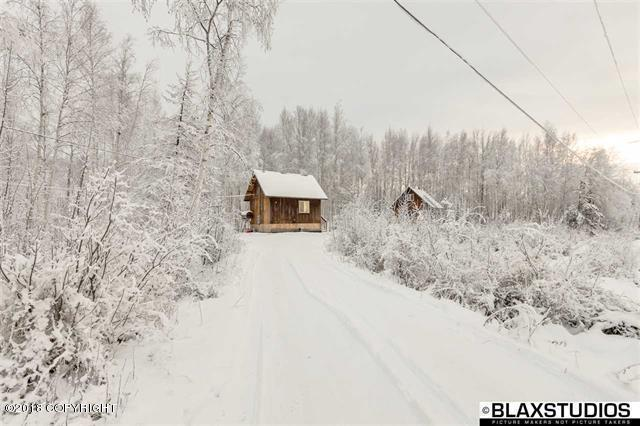 560 Moose Trot Avenue, Fairbanks, AK 99712 (MLS #18-14402) :: Alaska Realty Experts