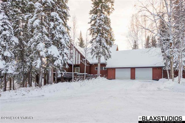 945 Haman Street, Fairbanks, AK 99709 (MLS #18-17126) :: Alaska Realty Experts