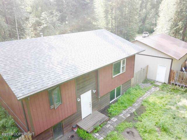 336 Kit Boulevard, North Pole, AK 99705 (MLS #19-11997) :: RMG Real Estate Network | Keller Williams Realty Alaska Group