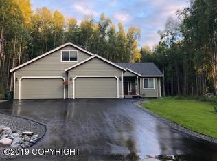 21986 Valley Avenue, Chugiak, AK 99567 (MLS #19-3643) :: Alaska Realty Experts