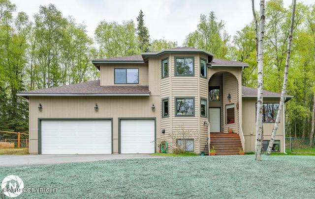 5602 E 104th Avenue, Anchorage, AK 99507 (MLS #19-7994) :: Roy Briley Real Estate Group