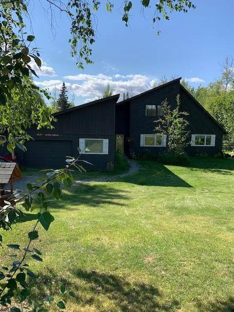 1530 N Ranch Road, Palmer, AK 99645 (MLS #20-10030) :: Team Dimmick