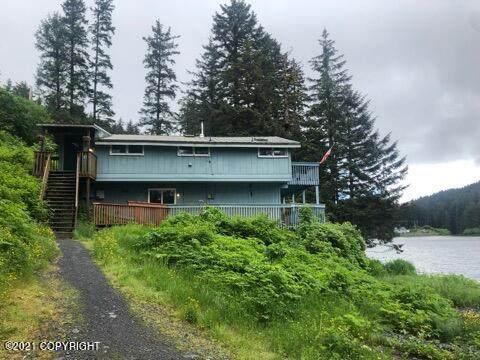 2709 Dark Lake Road, Kodiak, AK 99615 (MLS #21-9035) :: Alaska Realty Experts