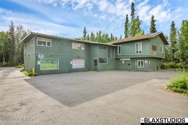 565 University Avenue, Fairbanks, AK 99709 (MLS #16-18397) :: Real Estate eXchange