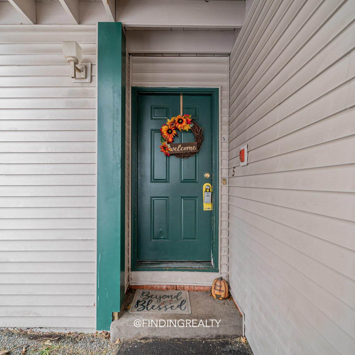 1542 Northview Drive - Photo 1