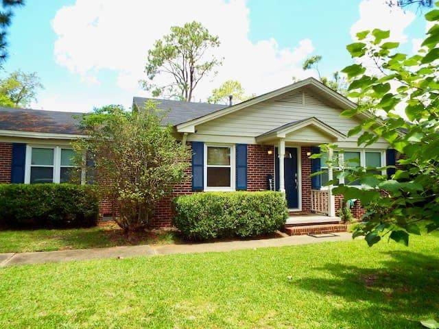 1613 Acker Drive, Albany, GA 31707 (MLS #145327) :: Crowning Point Properties