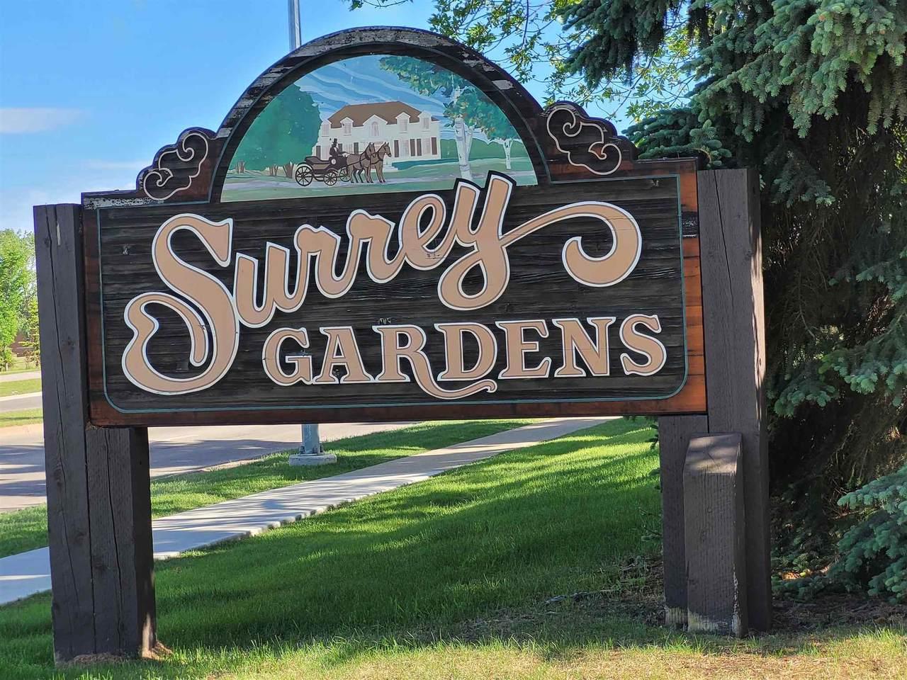 165 Surrey Gardens - Photo 1