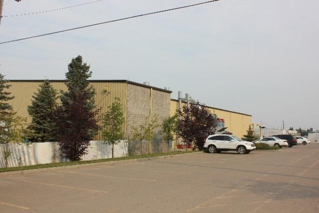 3608 69 AV NW, Edmonton, AB T6B 2V2 (#E4091147) :: The Foundry Real Estate Company