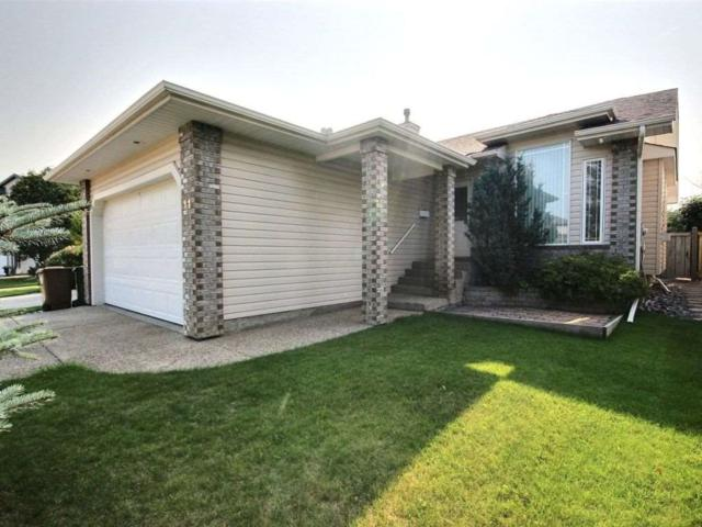 11 Olmstead Court, St. Albert, AB T8N 6R5 (#E4106057) :: The Foundry Real Estate Company