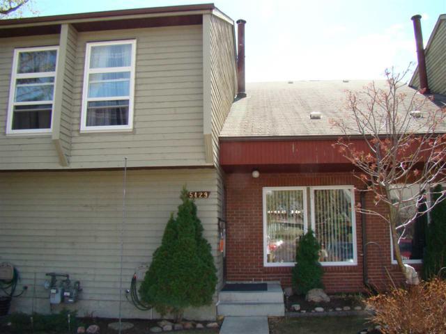 5429 Hill View Crescent, Edmonton, AB T6L 1V9 (#E4109768) :: The Foundry Real Estate Company