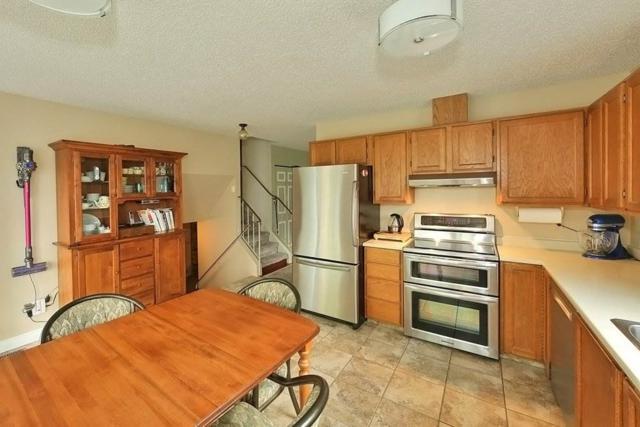 4112 32 Avenue, Edmonton, AB T6L 3W6 (#E4114153) :: The Foundry Real Estate Company