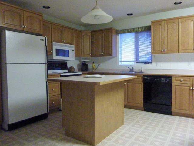 36 Howson Crescent, Edmonton, AB T5A 4T6 (#E4114680) :: The Foundry Real Estate Company