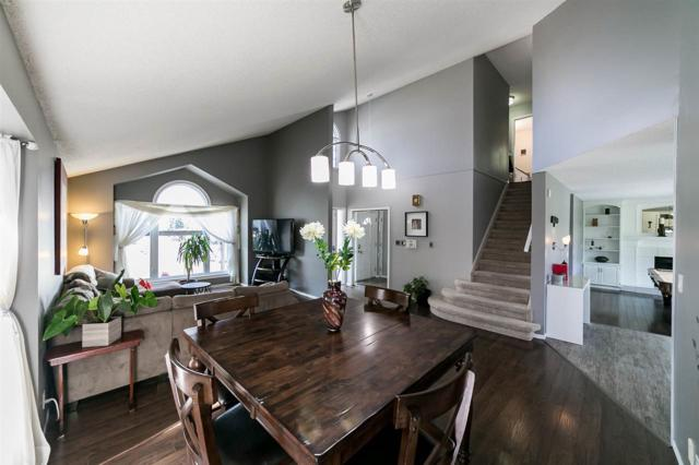 37 Rehwinkel Road, Edmonton, AB T6R 1Y4 (#E4128322) :: The Foundry Real Estate Company