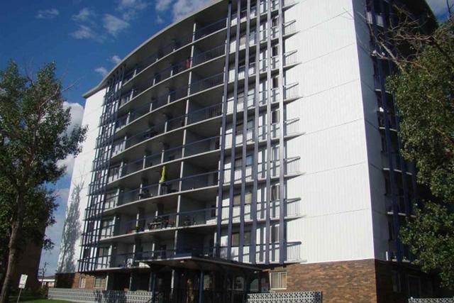 35 13435 97 Street, Edmonton, AB T5E 4C8 (#E4160953) :: David St. Jean Real Estate Group