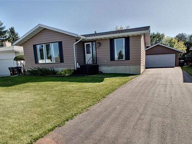 5101 59 Street, Redwater, AB T0A 2W0 (#E4174746) :: The Foundry Real Estate Company