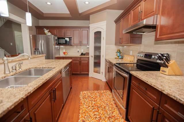 461 Ainslie Crescent, Edmonton, AB T6W 0H8 (#E4182829) :: Initia Real Estate