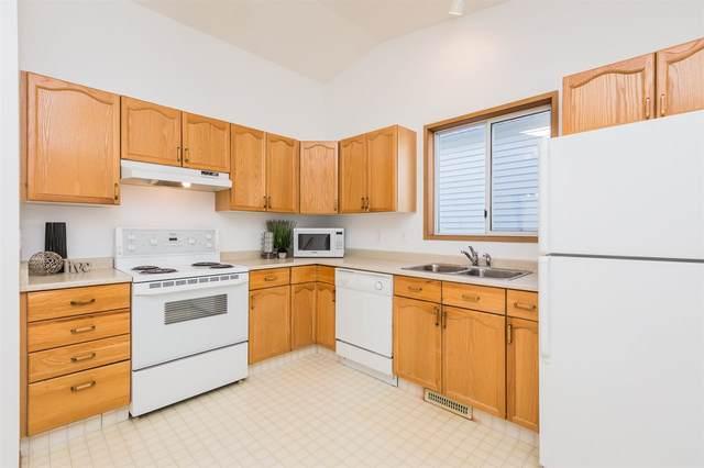263 Kirkwood Avenue, Edmonton, AB T6L 5A7 (#E4191993) :: Initia Real Estate