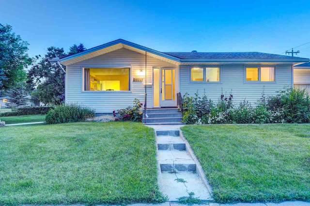 5504 105 Street, Edmonton, AB T6H 2N1 (#E4192533) :: Initia Real Estate