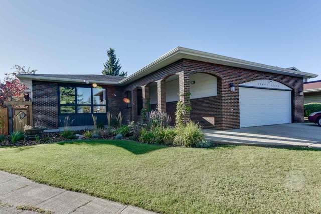10447 32 Avenue, Edmonton, AB T6J 4J1 (#E4217168) :: Initia Real Estate