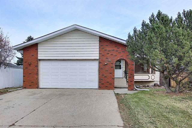 2111 46 Street, Edmonton, AB T6L 2T6 (#E4220158) :: The Foundry Real Estate Company