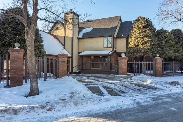 1608 Bearspaw Drive W, Edmonton, AB T6J 5H8 (#E4226313) :: Initia Real Estate