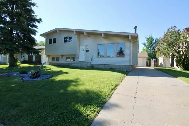 2615 129 Avenue, Edmonton, AB T5A 3X7 (#E4249315) :: Initia Real Estate