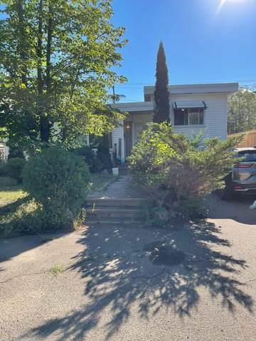 8923 117 Street, Edmonton, AB T6G 1R8 (#E4259271) :: Initia Real Estate