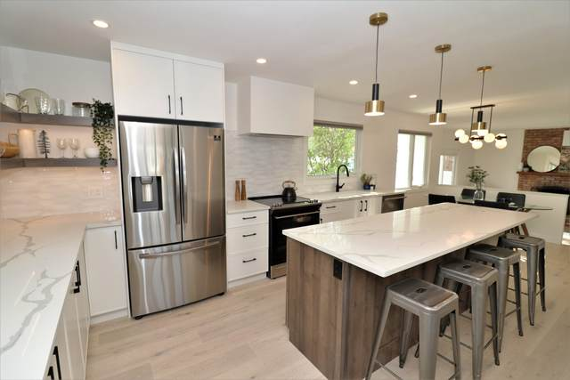 4820 143 Street, Edmonton, AB T6H 4C8 (#E4263406) :: Initia Real Estate