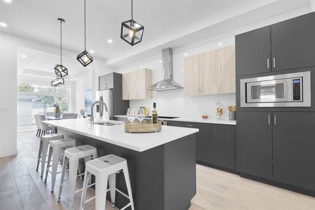 10945 70 Avenue, Edmonton, AB T6H 2G7 (#E4116520) :: The Foundry Real Estate Company