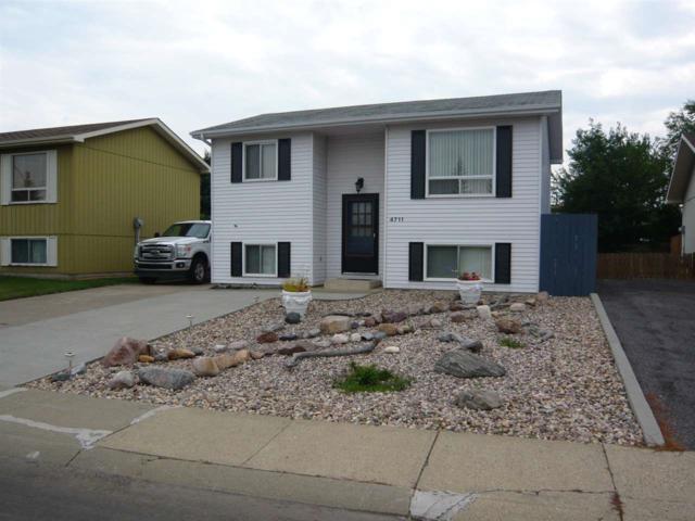 4711 37B Avenue, Edmonton, AB T6L 3S8 (#E4120586) :: The Foundry Real Estate Company