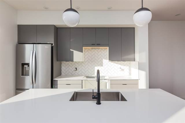 7723 Yorke Mews, Edmonton, AB T5G 0W6 (#E4232084) :: Initia Real Estate