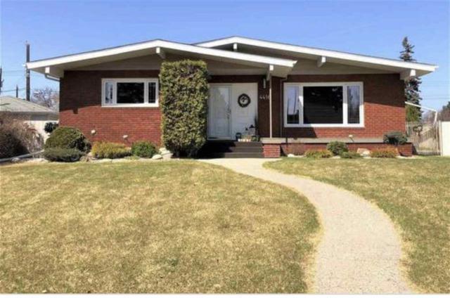 4416 117A Street, Edmonton, AB T6J 1V9 (#E4133092) :: The Foundry Real Estate Company