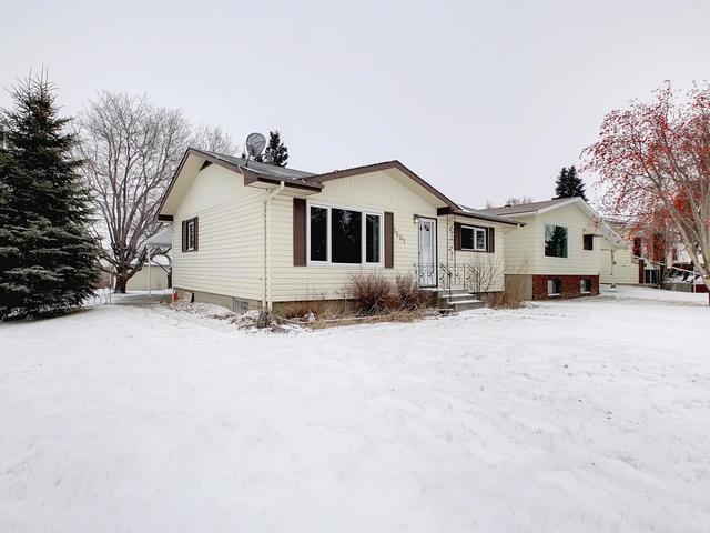 5501 48 Street, Stony Plain, AB T7Z 1E3 (#E4092364) :: The Foundry Real Estate Company