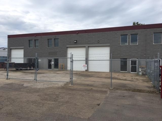 16718 111 AV NW NW, Edmonton, AB T5M 2S5 (#E4104668) :: The Foundry Real Estate Company