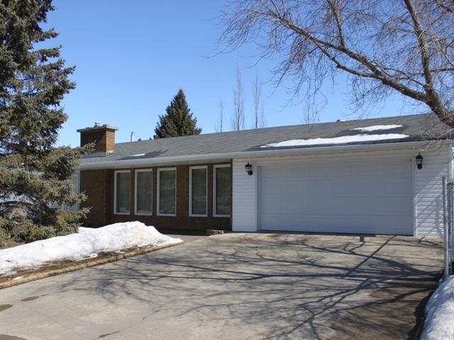 5515 51 Street, Tofield, AB T0B 4J0 (#E4105650) :: The Foundry Real Estate Company