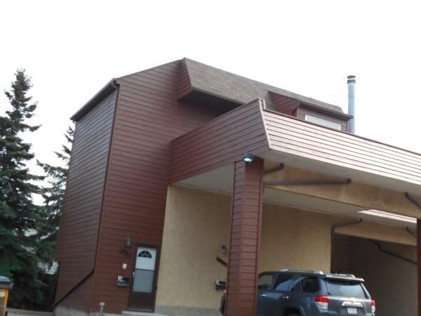 3947 62 Street NW, Edmonton, AB T6L 3A2 (#E4107248) :: The Foundry Real Estate Company