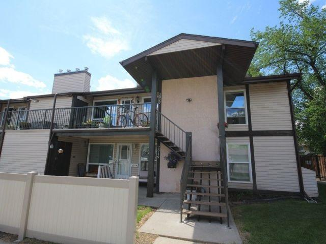 2017 Saddleback Road, Edmonton, AB T6J 4T4 (#E4114887) :: The Foundry Real Estate Company
