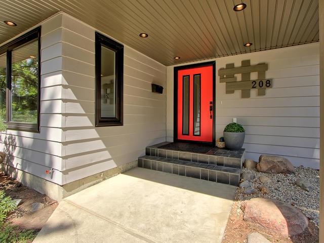 208 Brander Drive, Edmonton, AB T6H 4X6 (#E4115657) :: The Foundry Real Estate Company