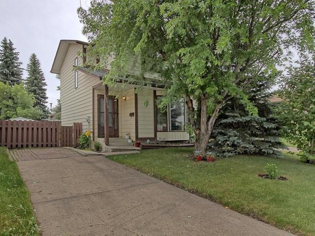 10015 171 Avenue, Edmonton, AB T5X 4L2 (#E4116050) :: The Foundry Real Estate Company
