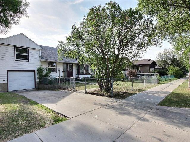 10431 153 Street, Edmonton, AB T5P 2B9 (#E4116933) :: The Foundry Real Estate Company