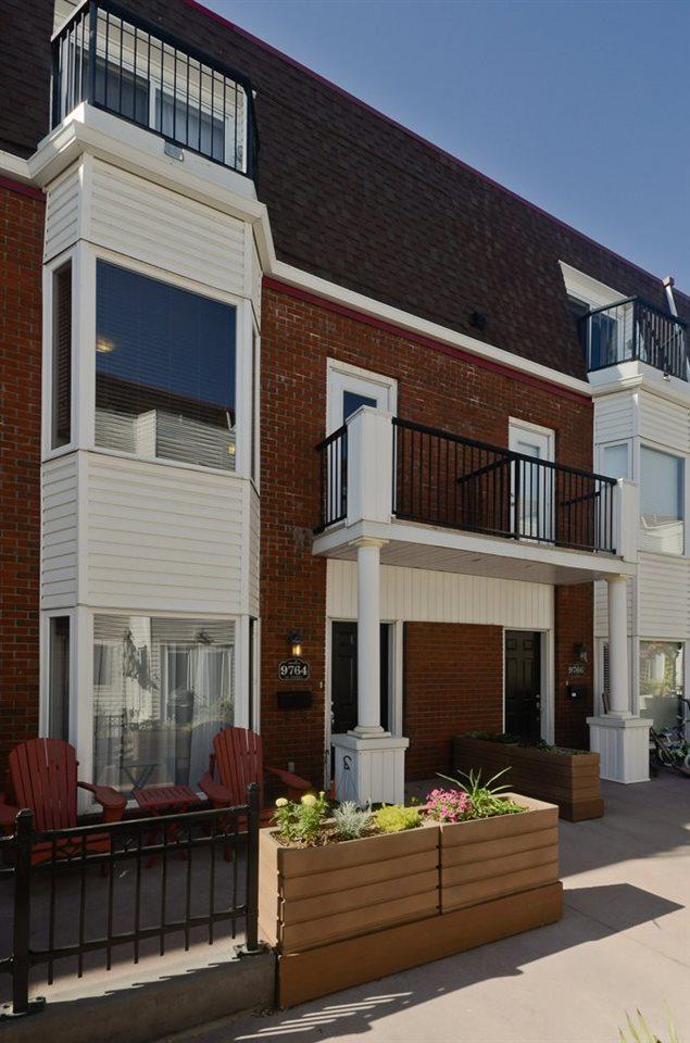9764 92 Street, Edmonton, AB T6C 2C5 (#E4117242) :: The Foundry Real Estate Company