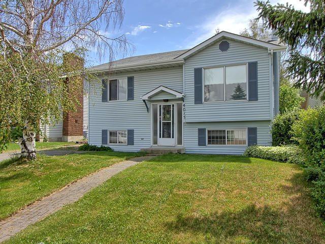 4015 34A Avenue, Edmonton, AB T6L 3Z3 (#E4120473) :: The Foundry Real Estate Company