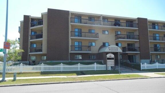 302 10511 19 Avenue, Edmonton, AB T6J 5S8 (#E4120494) :: The Foundry Real Estate Company